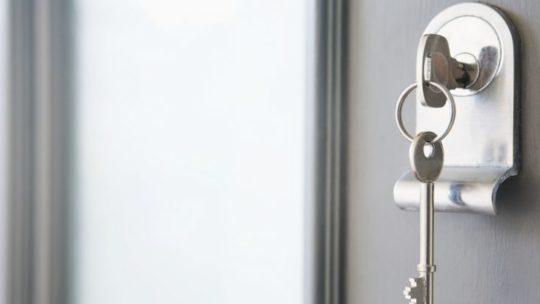 Quels sont les différents systèmes de verrouillage de serrure et de sécurité?