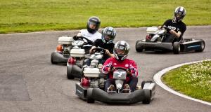 Où trouver une piste de karting sur le lieu de ses vacances